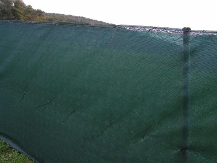 Stínící sítě PloteS 90% uchycení plastovými pásky