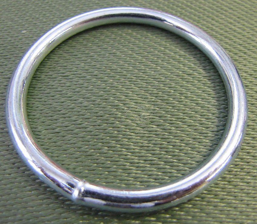 Svařovaný kovový kroužek